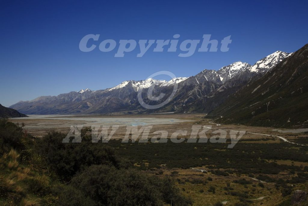 Towards Lake Pukaki