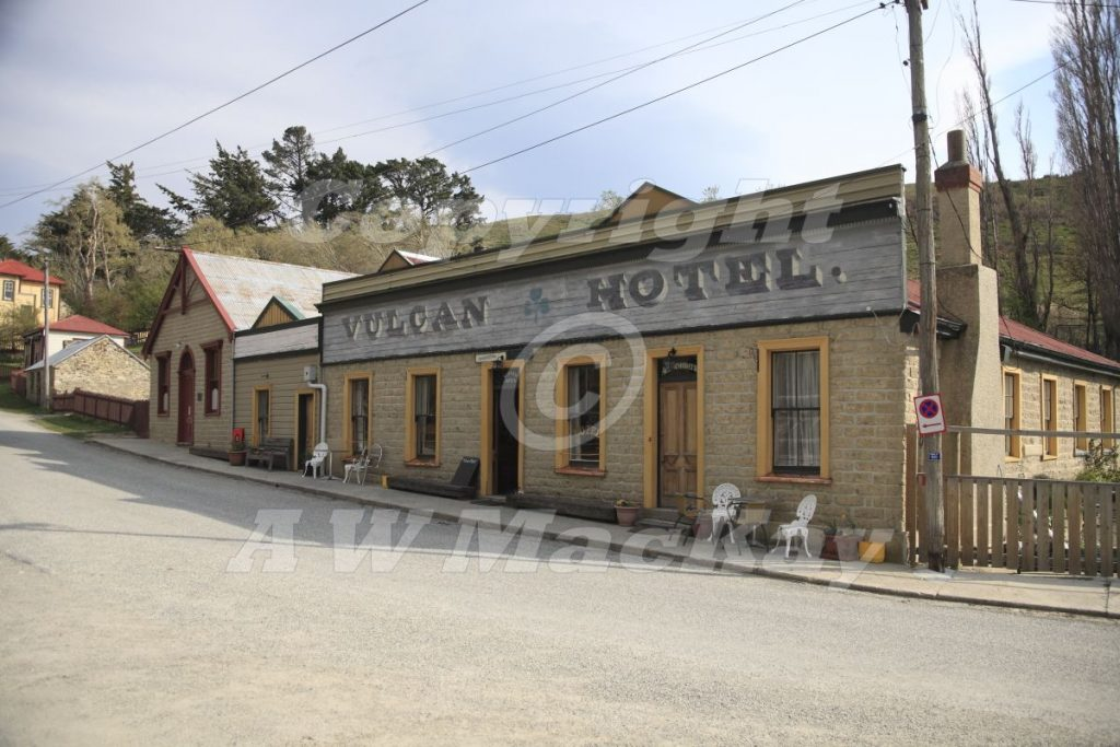 Historic Vulcan Hotel - St Bathans in Central Otago