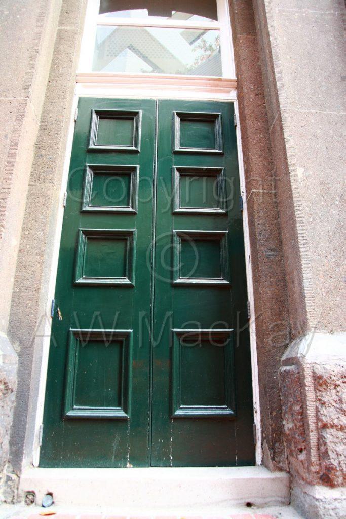 I See a Green Door